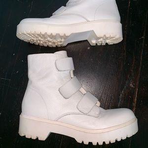 aa58be031c4 Steve Madden Wayne white Velcro combat boots